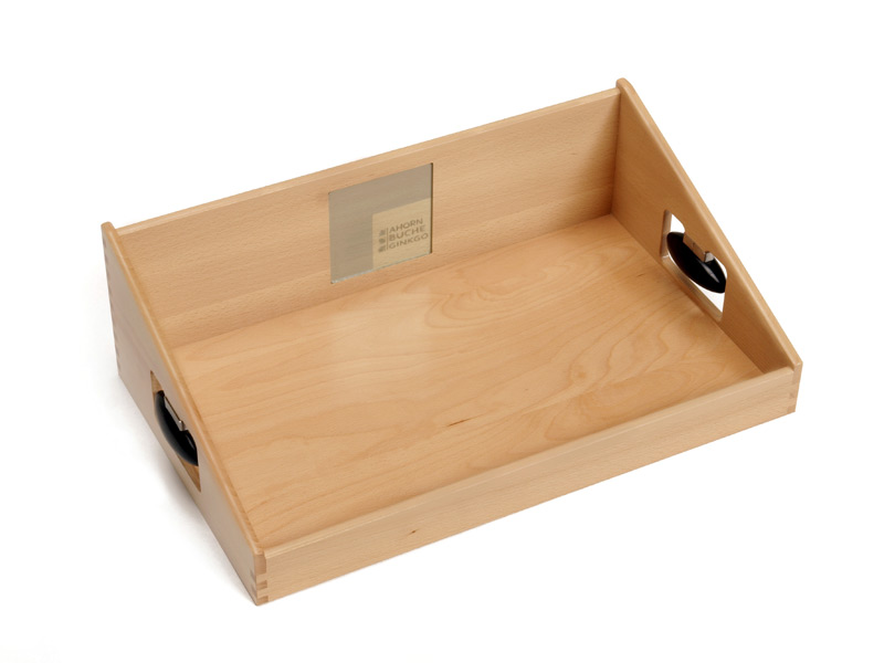 uschi das original designer tablett aus buchenholz small art nr abg baby tabletts gutes. Black Bedroom Furniture Sets. Home Design Ideas